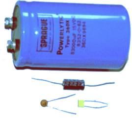Voici une photo de divers condensateurs